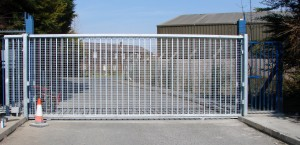 Industrial and domestic slidiing gates
